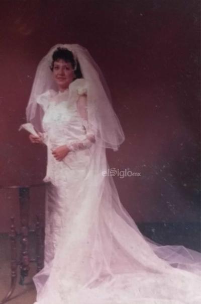 María de Lourdes Alvarado Hernández el día de su boda hace varias décadas.