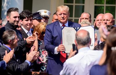 Esta nueva ley llega después de años de polémicas debido a que muchos de los trabajadores han presentado síntomas de enfermedades crónicas pasados los años.