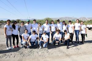 31072019 MEJORAN SU ENTORNO.  Laguneros emprendedores participaron en campaña de limpieza.