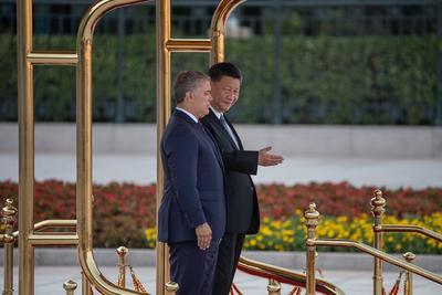 Recibió honores militares en la Plaza de Tiananmen.