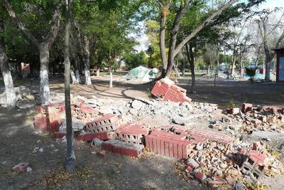 Destruido. Varios de los puentes que adornaban al paseo fueron destruidos y así han perdurado ante el paso del tiempo.