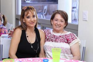02082019 COMIDA DE CUMPLEAñOS.  Rosa Delia y Lety.