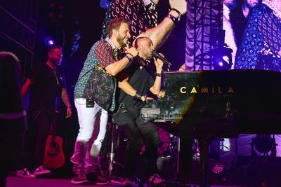 Laguneros viven velada romántica junto a Camila y Sin Bandera