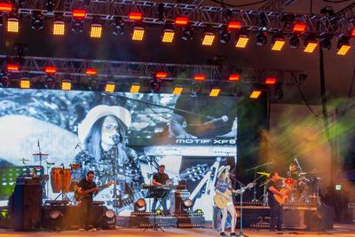 Griss Romero y José Madero fueron las estrellas del arranque del fin de semana con un concierto que alcanzó casi las dos horas.