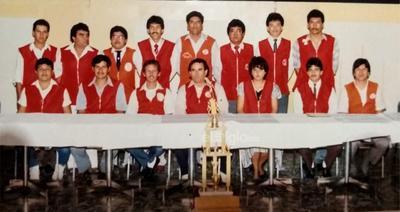 "Mesa directiva del grupo de radio banda civil ""Grupo algún día"", canal 15, en 1983."