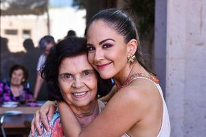 03082019 María Luisa y su nieta Sandra.