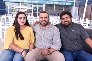 05082019 Cecilia Morales, Humberto Rodríguez y Humberto Rodríguez Jr.
