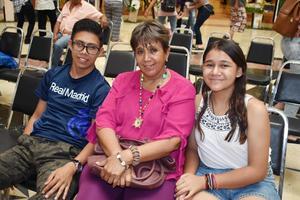 04082019 EN FAMILIA.  Milton, Norma Angélica y Linet.