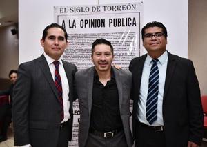 04082019 EN RECIENTE EVENTO.  Josué, Antonio y Víctor.