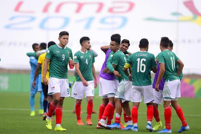 _JLM1074 copy  LIMA, PERU - AGOSTO 4: Atletas de Mexico en festejo de la disciplina de Futbol Soccer durante los XVIII Juegos Panamericanos Lima 2019 en el Estadio San Marcos el 4 de Agosto de 2019 enLima, Peru (Foto: Jaime Lopez/JAM MEDIA)