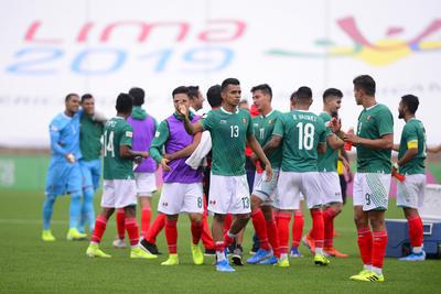 _JLM1079 copy  LIMA, PERU - AGOSTO 4: Atletas de Mexico en festejo de la disciplina de Futbol Soccer durante los XVIII Juegos Panamericanos Lima 2019 en el Estadio San Marcos el 4 de Agosto de 2019 enLima, Peru (Foto: Jaime Lopez/JAM MEDIA)