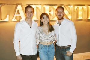 Karim, Antonela y Ricardo.