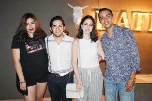 Victoria, Mario, Lupita y Alberto.