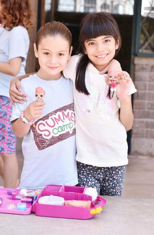 Camila y Romina.