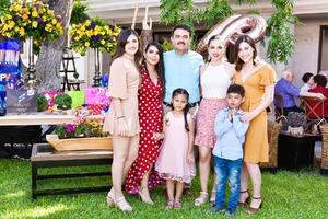 Karla, Gema, Sergio, Maria Luisa, Melisa, Barbara y Sergio.