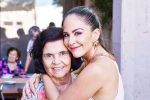 Maria Luisa y su nieta Sandra