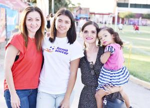 Lili Quiñones, Melissa Aranda ,Ana Becerra y Melissa Campa.