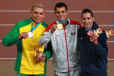 Martínez, quien en Barranquilla 2018 se adueñó del cetro en los mil 500 metros, hizo olvidar al experimentado Juan Luis Barrios, quien se perdió la justa continental debido a una lesión.