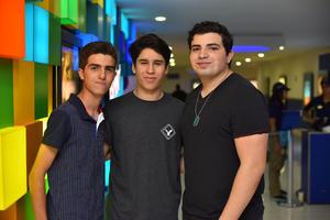 07082019 EN EL CINE.  Ernesto, Miguel y Luis.