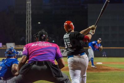 Isaac Jiménez (2-4) salió con los brazos en alto, Alberto Leyva (3-1) cargó con el revés, y Esteban Haro con un relevazo de dos ponches, se acreditó su primer salvamento de la campaña.