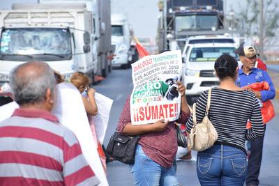 Hay más de 4 mil 200 millones de pesos de subejercicio aquí en la Secretaría de Desarrollo Rural Federal, señaló Luis Manuel de la Cruz Mejía, quien encabezaba la manifestación.