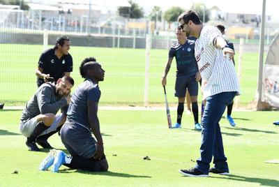 Santos realiza práctica de softbol ante su próximo duelo con Unión Laguna