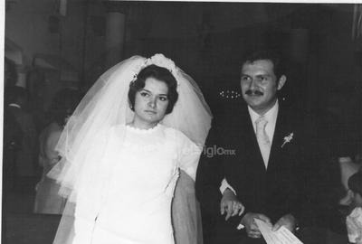 El 3 de agosto de 1974, celebraron feliz matrimonio la Señorita Rosario Ramírez Ayala y el Señor Francisco Sánchez Medinilla, quienes celebran su aniversario número cuarenta y cinco