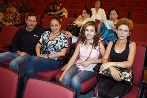 10082019 EN EL TEATRO.  Luis, Sonia, Laura y Laura.