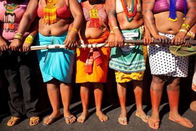 La Primera Marcha de las Mujeres Indígenas pretende reunir mujeres de alrededor de 150 etnias para defender los derechos de los pueblos originarios, los cuales consideran que están siendo amenazados por el Gobierno de Bolsonaro, según dijo este sábado a Efe Cristiane Pankararu, una de las líderes del evento.
