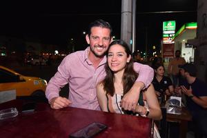 14082019 MUY CONTENTOS.  Pablo y Cynthia.
