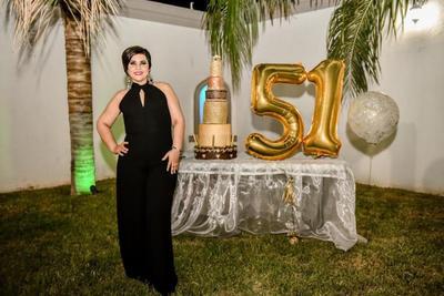 La guapa señora Lorena Paredes celebró recientemente su cumpleaños en Francisco I. Madero.