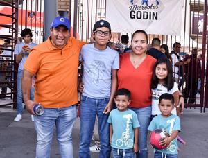 15082019 Emiliano, Leonel, Julio, Marian, Jessica y Armando.