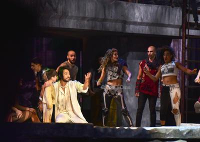 Beto Cuevas (Jesús), Erik Rubín (Judas), Leonardo de Lozanne (Poncio Pilatos), María José (María Magdalena), Yahir (Pedro) y Enrique Guzmán (Herodes) conformaron el elenco del montaje.