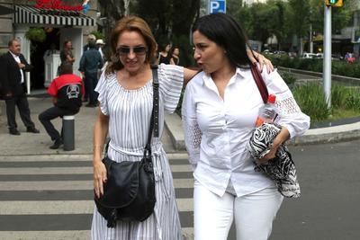 Las actrices Marina de Tavira y Tiare Scanda.