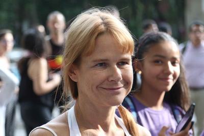 La actriz Nailea Norvind acudió a la manifestación.
