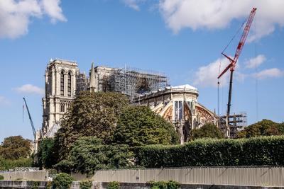 Los esfuerzos en Notre Dame se retomaron tras casi un mes.