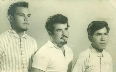 Javier Salinas, Baldomero Hoyos y Álvaro Sánchez (f), en el año 1965.