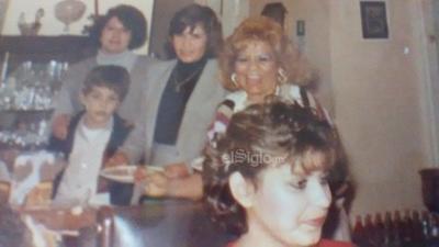 Blanca María González en una fiesta en la década de los ochenta.