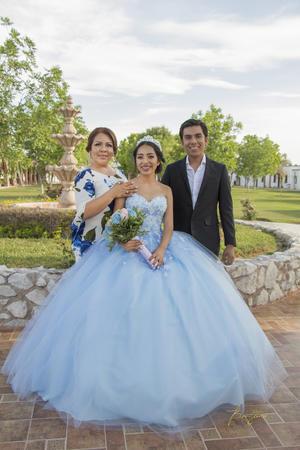 18082019 Dilery Arriaga acompañada de su hermano Yezid Arriaga y su mamá Rosa María Sánchez. Benjamín Estudio