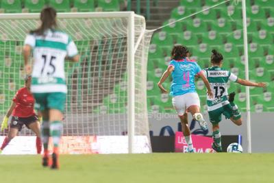 Santos cae en casa ante Rayadas
