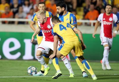 Ajax empata ante APOEL y se complica clasificación a Champions