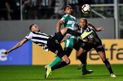 La Equidad, que espera continuar haciendo historia en la Copa Sudamericana, en la que nunca había llegado tan lejos en sus cinco participaciones, necesita una victoria en casa por más de un gol de diferencia para avanzar a semifinales.