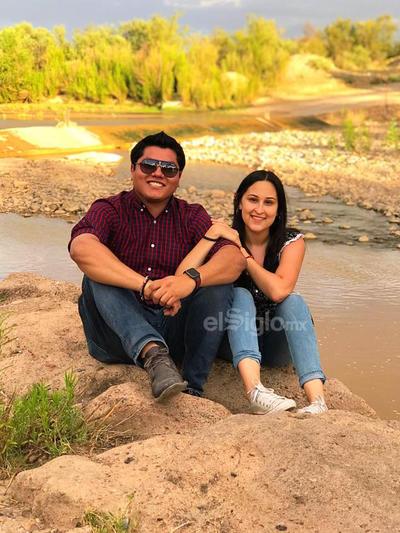 Domique y Valeria en su visita a Cuatrociénegas, Coahuila.