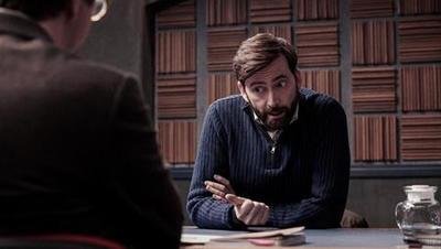 Criminal: Reino Unido (20/09/2019)  En un interrogatorio agotador, los detectives presionan a un médico para que confiese un asesinato. Protagonizan David Tennant, Clare-Hope Ashitey y Youssef Kerkour.