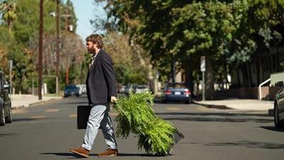 Entre dos helechos: La película (20/09/2019)  El presentador Zach Galifianakis se lanza a la carretera en busca de famosos a los que entrevistar en su programa de bajo presupuesto 'Between Two Ferns'.