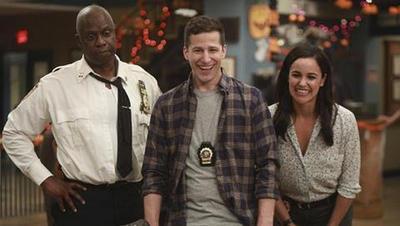 Brooklyn Nine-Nine: Temporada 5 (26/09/2019)   Después de pasar un tiempo en prisión por un delito que no cometió, Jake vuelve a trabajar al precinto. Será una temporada de muchos cambios personales y profesionales.