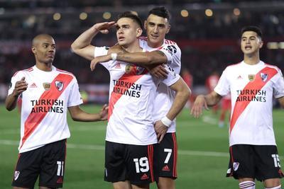 Con penales de Ignacio Fernández y del colombiano Rafael Santos Borré, el campeón vigente River Plate venció 2-0 a Cerro Porteño de Paraguay y puso un pie en las semifinales de la Copa Libertadores, instancia en la que podría toparse nuevamente con su acérrimo rival Boca Juniors después de la histórica final de 2018.