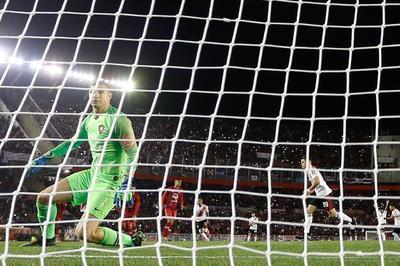Es difícil pero no imposible, son dos goles... tenemos la ilusión intacta y toda la fe de que podemos dar vuelta, apuntó Larrivey.