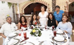 23082019 FESTEJAN A PROFESIONISTAS.  Natalio, Hilda, Lety, Maru, Martha y Caty.