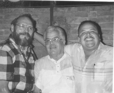Javier Salinas, Rodolfo Ramírez y Jorge Ortegón celebrando un cumpleaños en 1996.